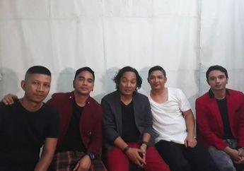Setelah Lama Vakum, Pasha Kembali Tampil Bersama Grup Band Ungu