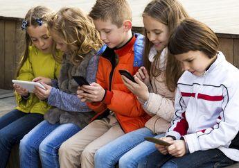 Awas! Balita Bisa Terlambat Bicara Bila Menghabiskan Lebih Banyak Waktu di Depan Layar Ponsel atau Televisi