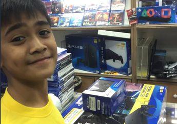 Salut! Bocah 12 Tahun Ini Beli PlayStation 4 dari Uang Sewaan Komik