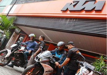 Jelang Natal, Orang-orang Justru Rebutan Untuk Test Ride KTM, Ada Apa Nih?