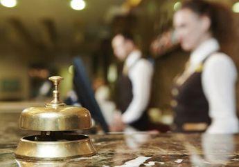 Jangan Pakai Sendal Hotel ke Luar Kamar, Ketahui Etika Saat Menginap Di Hotel Biar Nggak Malu-Maluin
