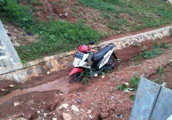 Motor Dibuang Pemiliknya ke Parit Gegerkan Warga Tangsel,  82 Motor Lainnya Diamankan Polisi