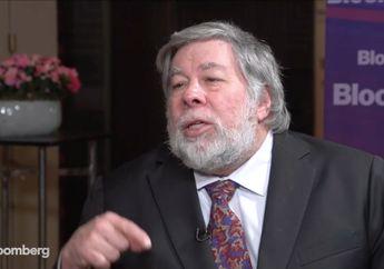 Steve Wozniak Khawatir Apple Ketinggalan Tren Ponsel Lipat