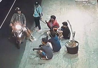 Jalanan Makin Rawan, Modal Samurai 3 Begundal Palak 4 Pemuda di Jembatan Besi, Korban Sempat Ditonjok