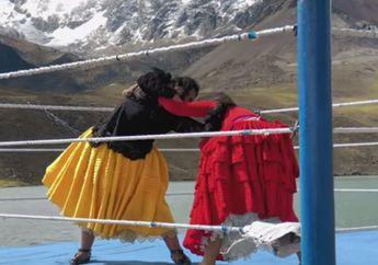 Video 'Shots on iPhone': Seorang Petarung Gulat Perempuan di Bolivia
