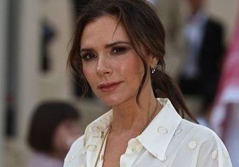 Victoria Beckham Tunjukkan Tingkah Nyeleneh Saat Kunjungi Sebuah Tempat Makan
