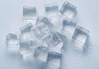 Tips Atasi 4 Masalah Wajah dengan Es Batu, Murah dan Mudah Banget Caranya!