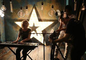 4 Video Music Lagu Barat dengan Jalan Cerita Paling Mengharukan dan Bikin Nangis