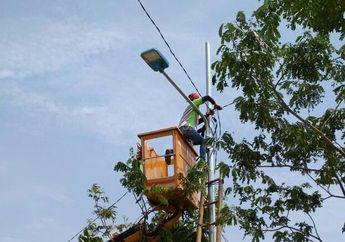 Gak Waswas Lagi Jika Pemotor Jalan Malam, Udah Ada Lampu Jalan Canggih