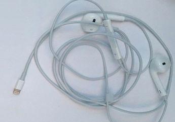 (Foto) Inikah Wujud Earpods Dengan Kabel Lightning buat iPhone 7 Itu?