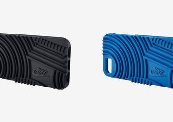 Nike Bikin Case iPhone 7 dengan Motif Sol Sepatu