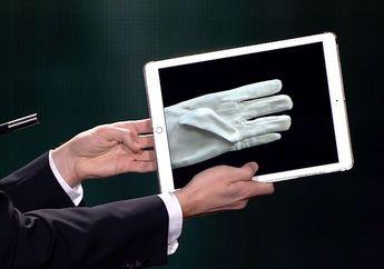 (Video) Pesulap Ini Pakai iPad Jadi Sarung Tangan