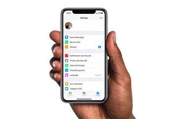 Update Telegram Messenger 4.5: Album, Pesan Tersimpan dan Pencarian Baru