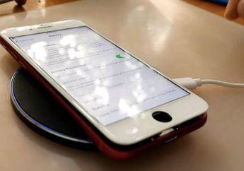 (Video) Tukang Oprek ini Menambahkan Wireless Charging ke iPhone 7