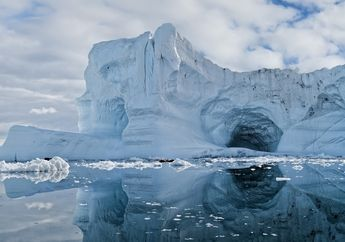Peneliti: Lapisan Es yang Mencair Ternyata Mengandung Silika