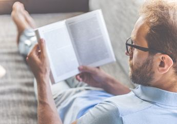 Mengapa Beberapa Orang Lebih Senang Baca Buku Fisik Dibanding E-Book?