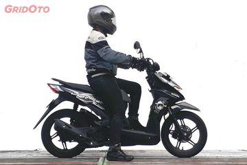 Cuma Beda Setang Begini Riding Position Honda Beat Street Dibanding