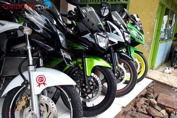 Wuih Dealer Motor Bekas Ini Pajang Deretan Kawasaki Ninja 150 2 Tak