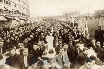Kembali ke Masa Lalu: Mengenal Wajah Para Imigran Amerika Era 1917