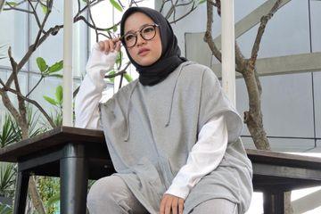 Inspirasi Fashion Hijab Simpel Ala Nissa Sabyan Dengan Hoodie Yang Stylish Dan Affordable Semua Halaman Stylo