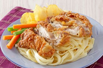 Resep Fetucini Ayam Krispi Enak Sajian Pasta Dengan Toping Yang Lezat Semua Halaman Sajian Sedap