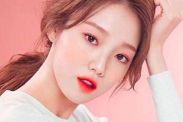 Penggunaan lip tint dalam make up Korea yang ditampilkan para idol