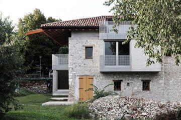 Menafsirkan Ulang Beton Dan Batu Begini Uniknya Arsitektur