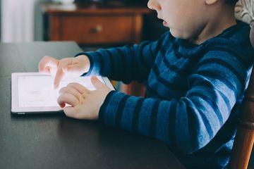 10 Langkah Mudah, Cepat dan Efektif Menjauhkan anak dari Gadget - Semua  Halaman - Nakita