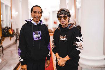 Ini Perkiraan Harga Hoodie Ahha Yang Dipakai Pak Jokowi Bareng Atta Halilintar Semua Halaman Hai