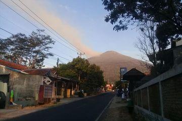 Gunung Ciremai Kebakaran, Seluruh Jalur Pendakian Ditutup dan Para Pendaki Dievakuasi