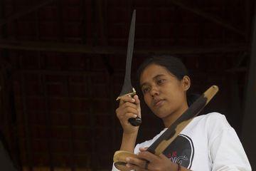 Ika Arista dan Kisahnya Menjadi  Empu Milenial Asal Sumenep Madura