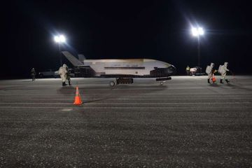 Pendaratan Sebuah Pesawat Luar Angkasa Misi Rahasia Milik Pentagon