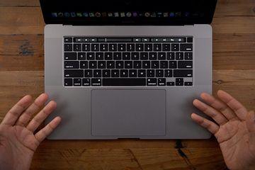 Pengguna Macbook Pro 16 Inci Keluhkan Gangguan Pada Speaker Semua Halaman Makemac