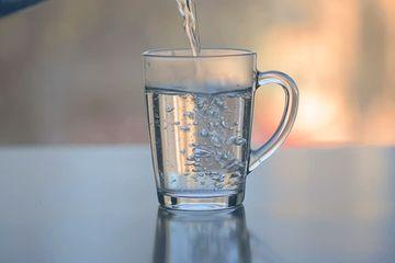 Menakjubkan 5 Manfaat Ini Bisa Kita Rasakan Kalau Rutin Minum Air Hangat Setiap Pagi Semua Halaman Cewekbanget