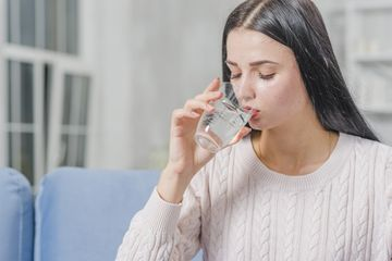 Minum Air Hangat Di Waktu Ini Ternyata Punya Manfaat Tak Terduga Rasakan Perubahannya Pada Tubuh Semua Halaman Nakita