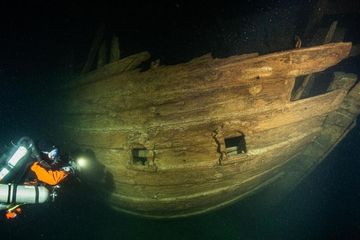 Kapal Berusia 400 Tahun Ditemukan di Laut Baltik dalam Keadaan Hampir Utuh