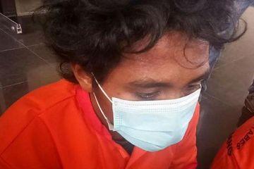 Ayah Gantung Anak Kandung Usia 3 Tahun