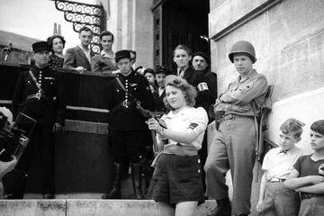 Perempuan Berumur 18 Tahun Simone Segouin Tangkap 25 Nazi Pada PD II