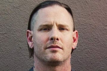 Corey Taylor Kritik Pengunjung Gigs Yang Lebih Suka Melihat Layar ...