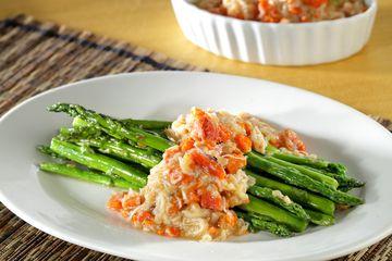 Simak Cara Memasak Asparagus Siram Kepiting Ala Restoran Oriental