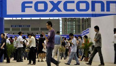 Pendapatan Perakit iPhone Foxconn Turun, Apa Sebabnya?