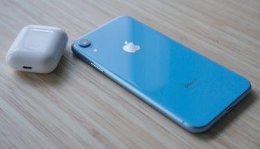 Apple Pertimbangkan Rencana Bundling iPhone dan AirPods Pada 2020