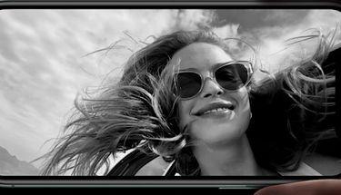 Dua Dari Tiga iPhone Tahun 2020 Menggunakan Layar OLED Lebih Tipis