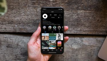 Perbedaan Smart Invert Color dan Dark Mode di iOS 13, Pilih Mana?