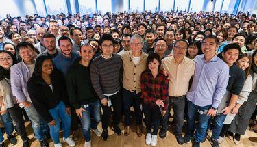 Tim Cook Berkunjung ke Jepang, Bertemu Developer Hingga Penyuplai iPhone