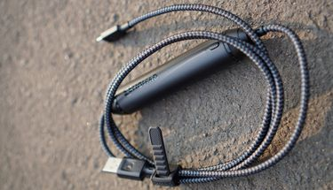 Nomad Battery Cable, Kabel Data Sekaligus Power Bank Ekstra Ringkas