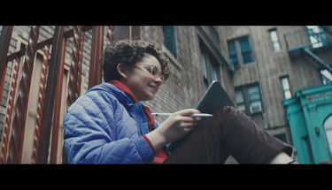 (Video) Iklan Baru iPad Pro, Apple Tanya Apakah Komputer Itu