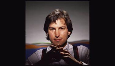 Tim Cook Mengenang 7 Tahun Steve Jobs Berpulang