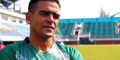 Usai dari PSS Sleman, Cristian Gonzales Resmi Gabung Bogor FC
