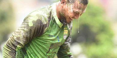 Injak Usia 26 Tahun, Kiper Persib Bandung Ungkap Harapan Jadi Juara